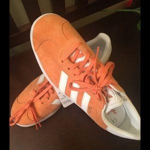 Adidas gazelle orange size 9 NWT